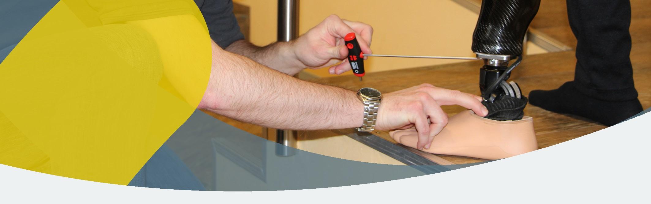 APT-Prothesen-Check - Termin in der Niederlassung vor Ort vereinbaren