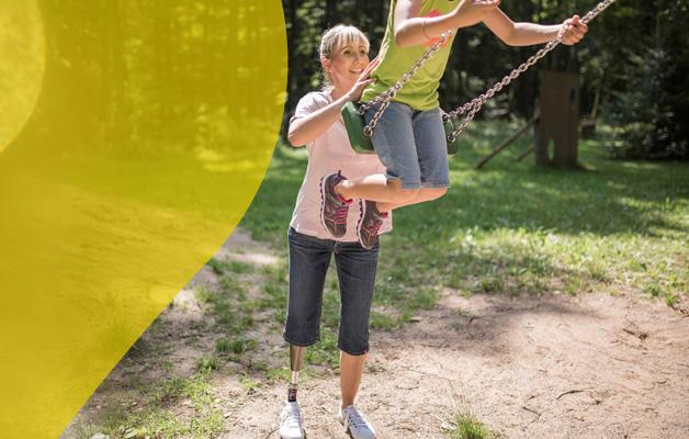 Nach der Amputation mit einer Prothese mobil werden – trotz Rückschlägen und alter Gewohnheiten